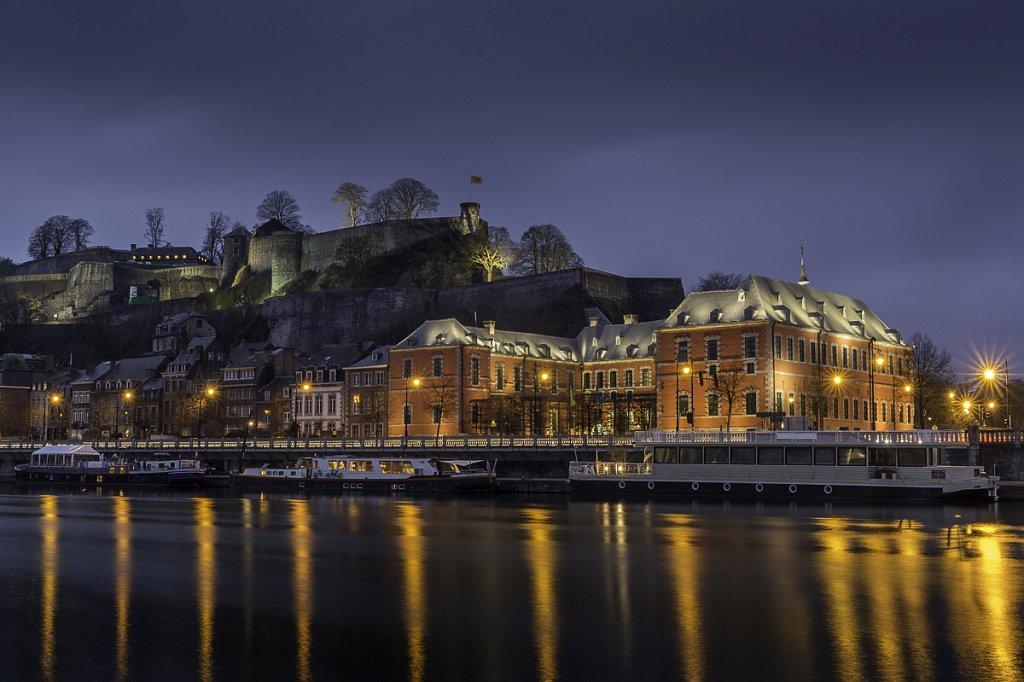 La citadelle, la Meuse et le parlement wallon